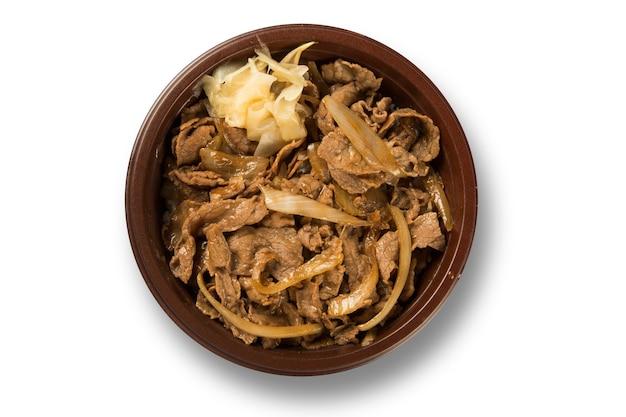수제 버섯과 고기. 흰색 mackground의 shimeji