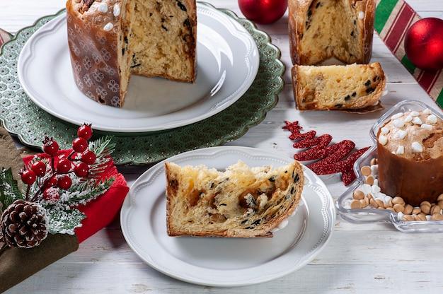 수제 panettone 전통적인 크리스마스 디저트