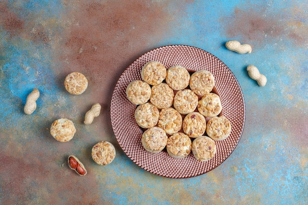自家製ピーナッツクッキー。