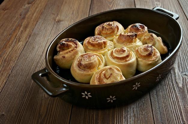 自家製パイ。甘いパンがクローズアップ