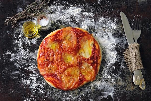 自家製ピザマルガリータ。ベジタリアンピザ。