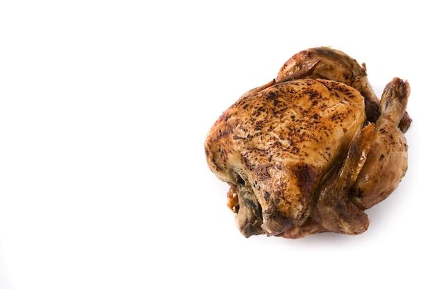 흰색 배경에 고립 된 집에서 구운 된 닭