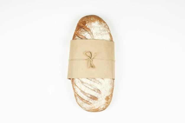 수제 소박한. 수제 사워 도우 빵의 신선한 덩어리