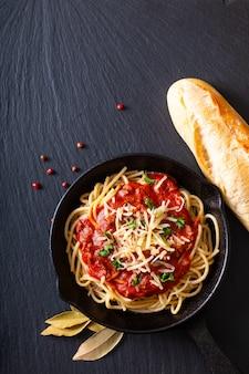 Homemade spaghetti bolognese
