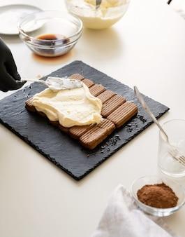 自家製ティラミスケーキ伝統的なイタリアンデザート