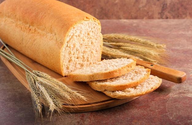 自家製全粒粉パン、スライス