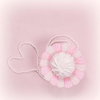 Домашний зефир или зефир на розовом фоне