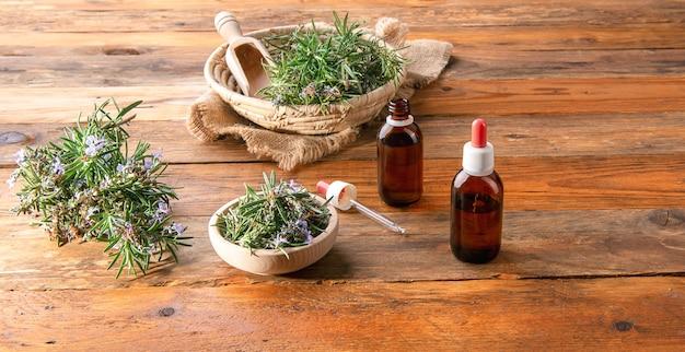 Гомеопатический препарат из дистиллированного масла с веточками розмарина