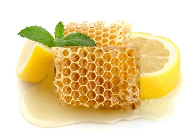 Медовые соты с лимоном и мятой