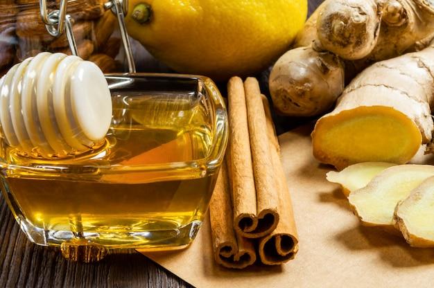 Honey, lemon, ginger and cinnamon