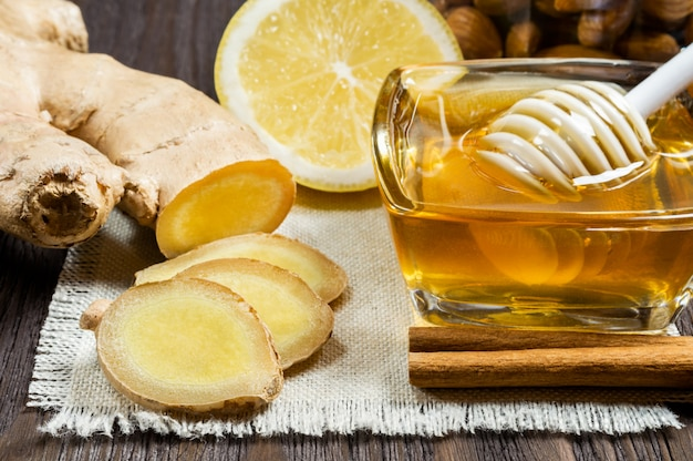Honey, lemon and ginger - useful additives to tea and drinks.