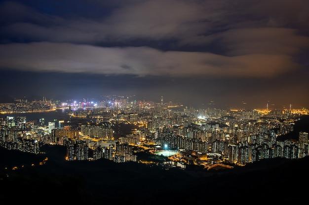 Fei ngo shan 언덕 일몰에서 홍콩 스카이라인 구룡
