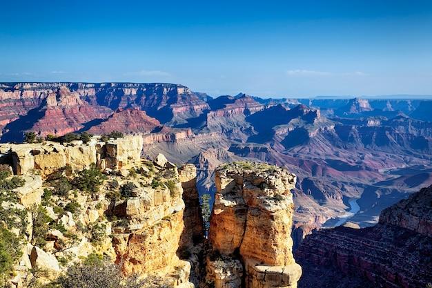 有名なグランドキャニオン、アリゾナ、米国の水平方向のビュー