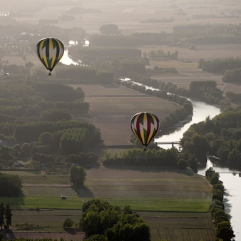 フランスのシェール川の熱気球