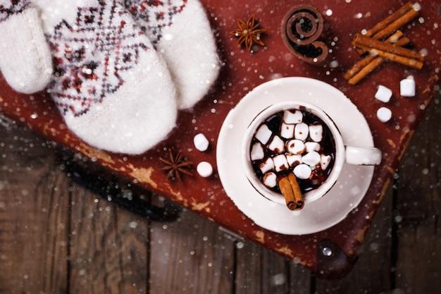 마시멜로 핫 초콜릿