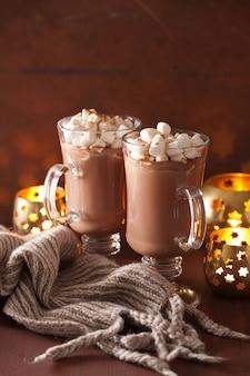 ミニマシュマロシナモンウィンタードリンクキャンドル付きホットチョコレート