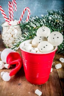 雪だるまマシュマロとホットチョコレート