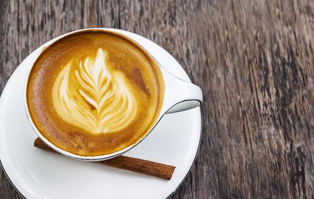 カフェショップのホットコーヒー