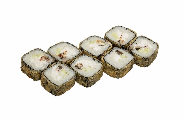 Горячие роллы суши в панировке с нори, запеченные с сыром.