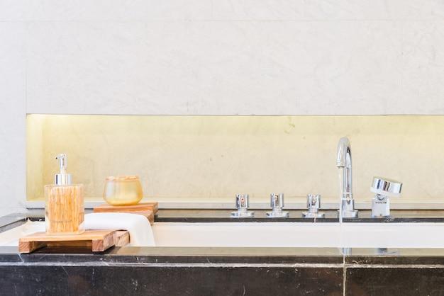 Отель ванной плитка в помещении домой