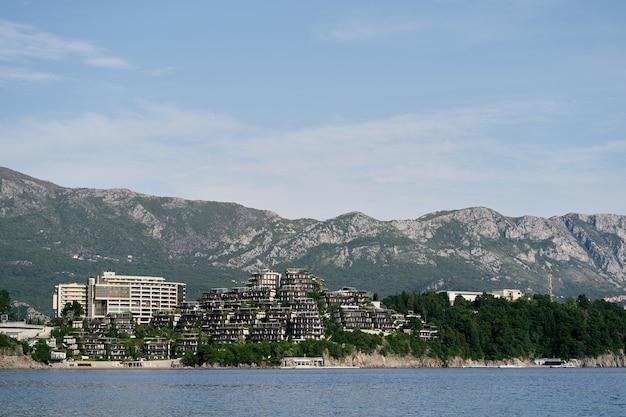 Отель дуклей в черногории в будве вид с моря