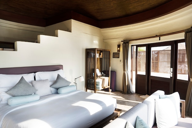 고급 리조트의 호텔 객실