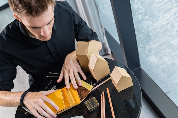 인테리어 건축가 작품 집 디자인 컨셉 및 재료 샘플의 결정