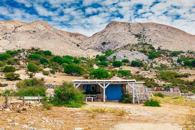 スタラバスカの田園地帯にある家、クロアチアのクルク