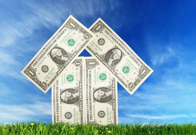 紙幣で作られた家