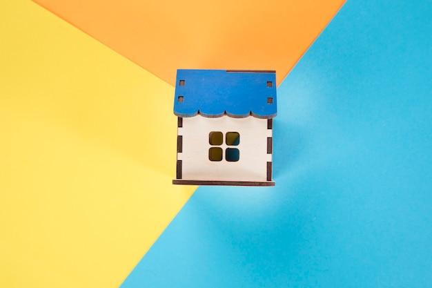 カラフルな紙の家