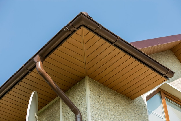 House top with gutter pipe system