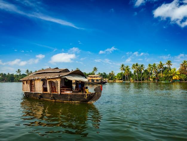케 랄라의 backwaters, 인도에 하우스 보트