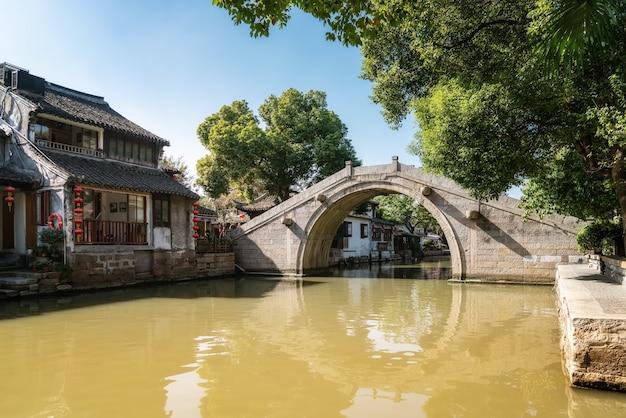 Xitang 고대 도시의 집과 강