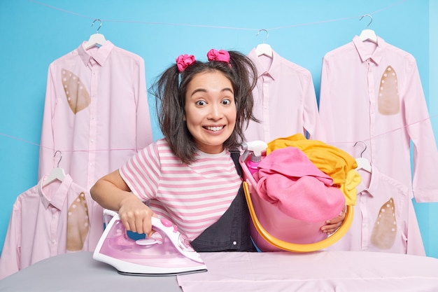 Lavori domestici e concetto di stiratura