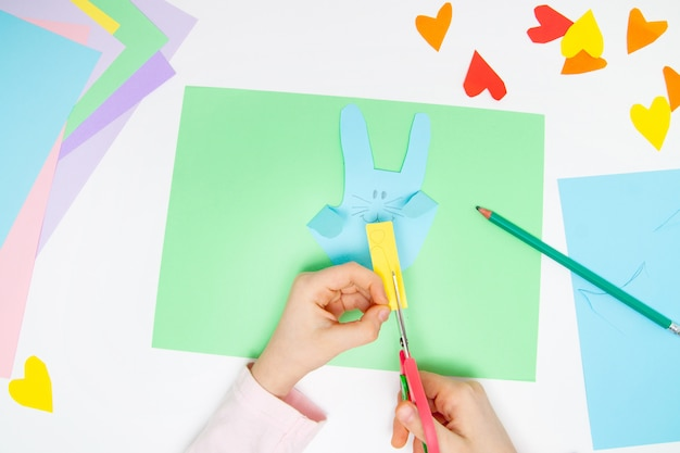 How to make paper bunny for easter greetings and fun.