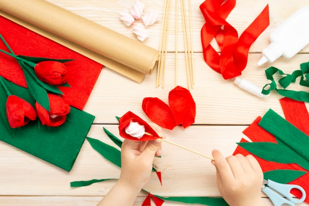 Как сделать цветок тюльпана из бумаги и зефира в домашних условиях