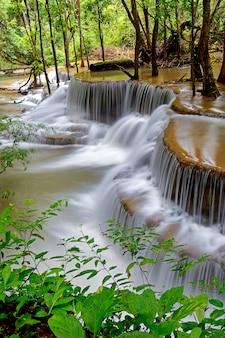 Huai mae khamin waterfallカンチャナブリタイ