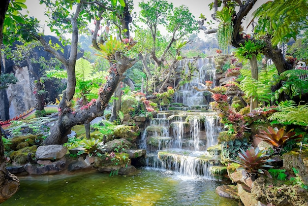 カンチャナブリータイのhuai mae khamin滝