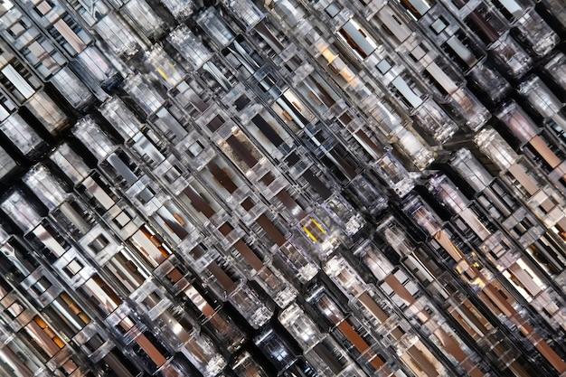 オーディオカセットの膨大なコレクション。レトロな音楽的背景。 Premium写真
