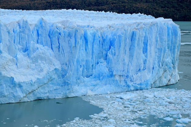 Huge ice-blue color wall of perito moreno glacier, el calafate, patagonia, argentina