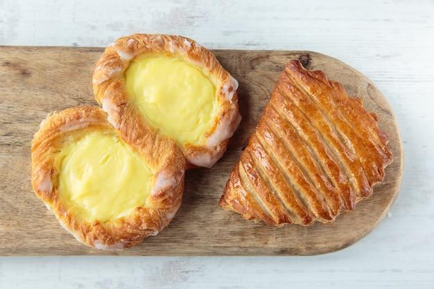 Huit pastry