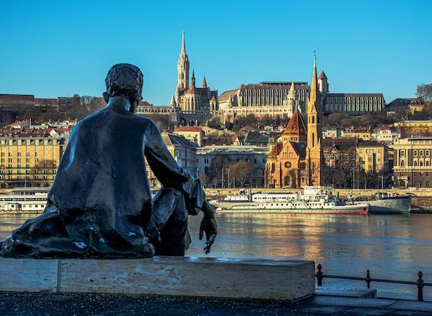 Венгрия, будапешт, красивая архитектура, рыбацкий бастион на берегу дуная.
