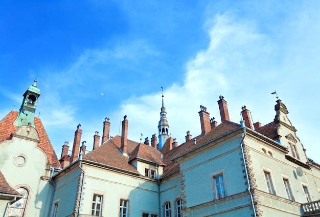 カルパティア(過去-ベレグヴァル)村(ウクライナ、ザカルパッチャ地方)にあるschonborn伯爵の狩猟城。 1890年に建てられました。