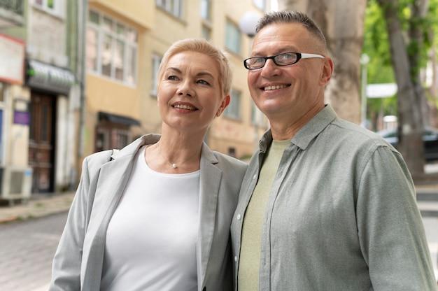 Муж и жена устраивают хорошее свидание