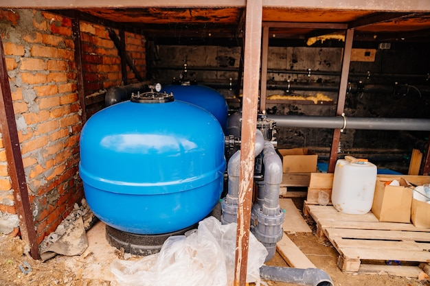 内部に空気室を備えた給水金属タンク用の油圧アキュムレータ
