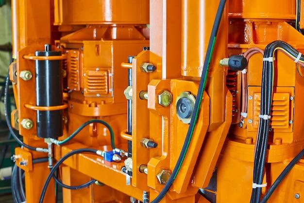 Hydraulic hose system oil drive system
