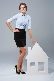 私は家を売るのを手伝うことができます