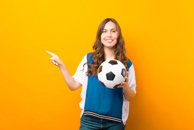Я приглашаю вас на занятия по футболу или футболу. вот подробности.