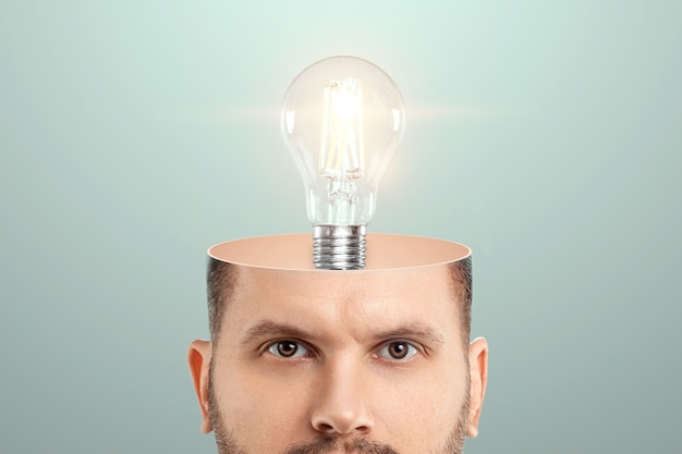 I. 사람의 머리, 백열등은 아이디어를 상징합니다.