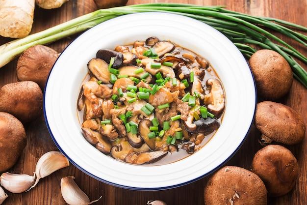 中華料理、椎i炒め、鶏肉炒め